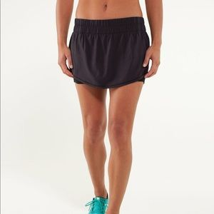 Lululemon Run: Breeze By Skirt. Size 6.